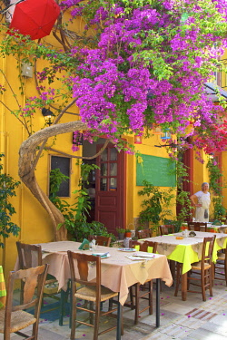 GR06445 Restaurant in the Old Town of Nafplio, Argolis, The Peloponnese, Greece, Southern Europe