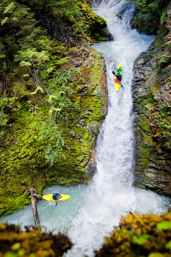 AREATO000410 Kayakers in whitewater of Brainwasher Falls, Pemberton, BC, Canada