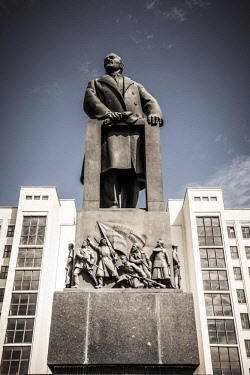 BY01128 Lenin Statue & Government building, Independence Square, Minsk, Belarus