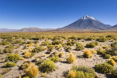 HMS3038772 Chile, Antofagasta Region, San Pedro de Atacama, tthe volcano Lican cabur in the Atacama Desert