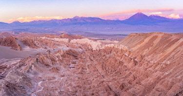 HMS3038839 Chile, Antofagasta Region, San Pedro de Atacama, Sunset on Valle de la Muerte in the Atacama Desert