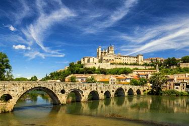 FRA10397AW St. Nazaire & Pont Vieux, Beziers, Occitanie, France