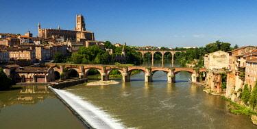 FRA10405AW River Tarn, Albi, Occitanie, France