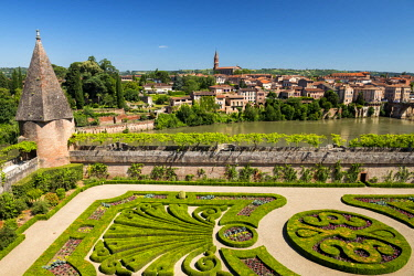 FRA10406AW Bishop's Palace Garden, Palace of Berbie, Albi, Occitanie, France