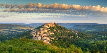 FRA10409AW Cordes sur Ciel, Tarn, Occitanie, France