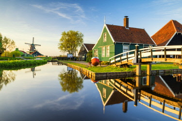 NLD0848AW Traditional Farm Houses, Zaanse Schans, Holland, Netherlands