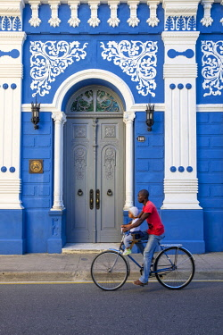 HMS3113654 Cuba, Camaguey province, Camaguey, historical centre registered as a UNESCO world heritage site, Casa de la Diversidad Cultural around the Parque Ignacio Agramonte