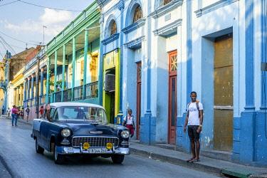 HMS3118992 Cuba, Santiago de Cuba province, Santiago de Cuba, historic centre, coloured houses on Felix Pena street