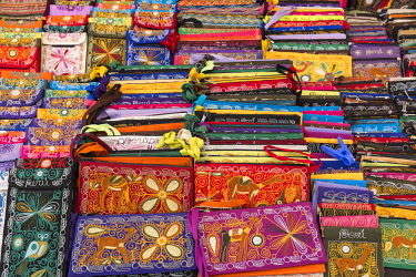 HMS2356878 Peru, Cusco Province, Incas Sacred Valley, Pisac, colourful handicraft market
