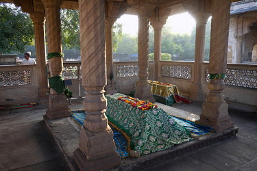 HMS3138862 India, Madhya Pradesh State, Gwalior, tomb of Tansen