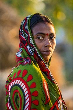 HMS2236386 India, West Bengal, Sundarbans, listed as World Heritage by UNESCO, Mazidbari village, woman