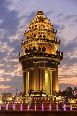 HMS2572130 Cambodia, Phnom Penh province, Phnom Penh, Independence monument by night