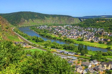 GER11014AWRF View at Dieblich, Mosel Valley, Rhineland-Palatinate, Germany