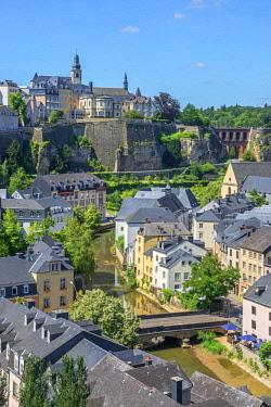 LUX0084AW View at Grund, Alzette valley, Eglise St. Michel, Bock Kasematten and Neumünster abbey, Luxembourg