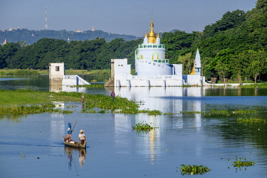 HMS3012778 Myanmar (Burma), Mandalay region, Amarapura, Shwe Modeptaw Pagoda on the banks of Taungthaman lake
