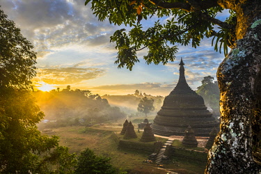 HMS3037659 Myanmar (Burma), Rakhine state (or Arakan state), archeological site of Mrauk U, ancient capital of Rakhine from the 15th to 18th century known as the Golden City, sunrise over Ratanabon pagoda built...