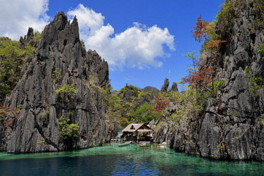 HMS2618020 Philippines, Calamian Islands in northern Palawan, Coron Island Natural Biotic Area, lagoon and Permian Limestone of Jurassic origin cliffs