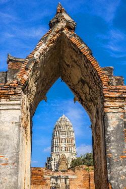 HMS3082831 Thailand, Ayutthaya province, Ayutthaya, Historical Park listed as World Heritage by UNESCO, Wat Ratcha Burana