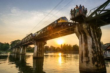 HMS3105330 Thailand, Kanchanaburi province, Kanchanaburi, where the Khwae Noi and Khwae Yai Rivers converge, the Burma-Siam Railway or Death Railway, bridge over the Khwae river