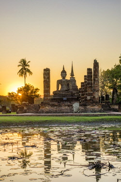 HMS3089341 Thailand, Sukhothai province, Sukhothai Historical Park listed as World Heritage by UNESCO, Wat Mahathat