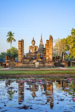 HMS3089343 Thailand, Sukhothai province, Sukhothai Historical Park listed as World Heritage by UNESCO, Wat Mahathat