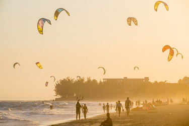 HMS2479798 Vietnam, Binh Thuan province, the village of Mui Ne Beach is a popular spot for the practice of Kite-Surf