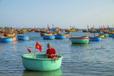 HMS2506661 Vietnam, South Central Coast region, Mui Ne fishing village