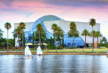 US11941 Florida, Saint Petersburg, Salvador Dali Museum, Sailboats, Tampa Bay