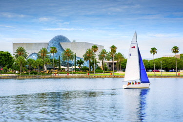 US11950 Florida, Saint Petersburg, Salvador Dali Museum, Sailboat, Tampa Bay