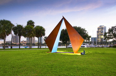 "US11952 Florida, Saint Petersburg, Skyline, Swinging Hammock, Steel Geometric Sculpture Called ""Truth"", Sculpted By Rolf Brommelsick, Vinoy Park, Pinellas County"