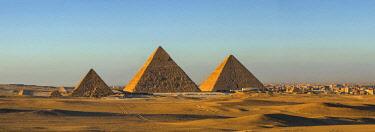 EG01413 Pyramids of Giza, Giza, Cairo, Egypt