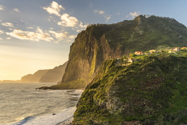 CLKFV91595 The village of Faial and its cliffs. Santana municipality, Madeira Island, Portugal.