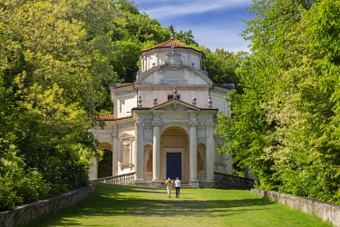 CLKMC91478 View of the chapels and the sacred way of Sacro Monte di Varese, Unesco World Heritage Site. Sacro Monte di Varese, Varese, Lombardy, Italy.