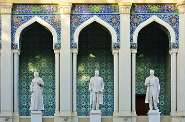 AZE0133AW The Nizami Museum of Azerbaijani Literature in Baku, named after the great romantic epic poet Nizami Ganjavi. The statues are of famous Azerbaijani writers. Azerbaijan