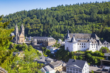 LX01074 Luxembourg, Clervaux,  View of Clervaux, looking towards Clervaux  Castle and the Parish Church of Clervaux also known as Church of Saints Cosma and Damien