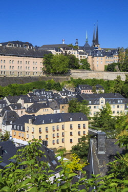 LX01136 Luxembourg, Luxembourg City, View of Saint Esprit Plateau, The Corniche (Chemin de la Corniche) above The Grund - lower town