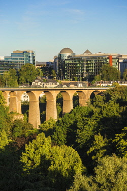 LX01142 Luxembourg, Luxembourg City, Petrusse Park and Viaduct