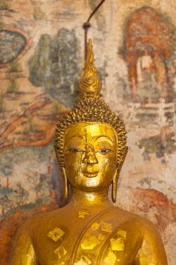 LS02078 Laos, Luang Prabang, Wat Pa Huak, Buddha sculpture