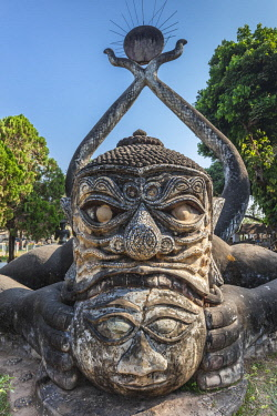 LS02152 Laos, Vientiane, Xieng Khuan Buddha Park, statues of religious figures