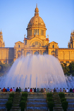 SPA8174AWRF The Magic Fountain and Palace of Montjuic, Barcelona, Catalonia, Spain