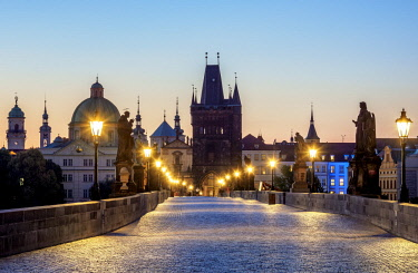 CZE2039AW Charles Bridge and Old Town Bridge Tower at dawn, Prague, Bohemia Region, Czech Republic