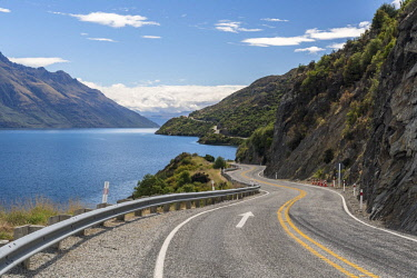 IBXROH04717292 Curvy road to Queenstown on Lake Wakatipu, Devil's Staircase, Otago, South Island, New Zealand, Oceania