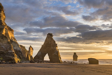 IBXROH04718720 Whitecliffs rock formation, sunset, Tongaporutu, Taranaki, North Island, New Zealand, Oceania