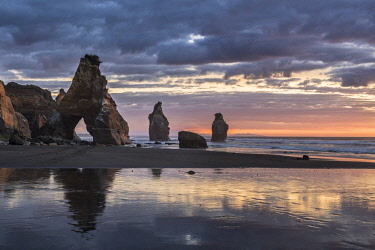 IBXROH04718721 Whitecliffs rock formation, Sunset, Tongaporutu, Taranaki, North Island, New Zealand, Oceania