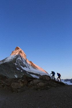 IBXIKU04097654 Two mountaineers ascending the Matterhorn, Zermatt, Canton of Valais, Switzerland, Europe