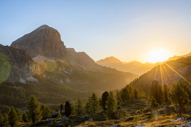 IBXMAB04718202 Sunrise in front of the summits Col dei Bos and Tofane, view to Monte Cristallo, Passo Falzarego, Falzarego pass, Dolomites, South Tyrol, Trentino-Alto Adige, Italy, Europe
