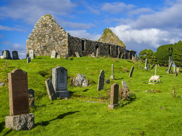 IBXSSC04590599 Church ruin, Loch, Cill, Isle of Skye National Park, Scotland, Great Britain