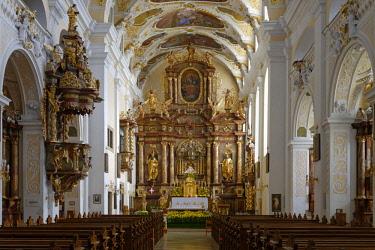 IBLDWB04382790 Chancel and high altar, around 1700, parish church, pilgrimage church Mari� Geburt, Frauenkirchen, Burgenland, Austria, Europe