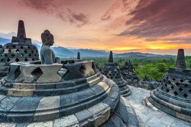 IDA0859AWRF Buddha statue, Candi Borobudur buddhist temple, Muntilan, Java, Indonesia