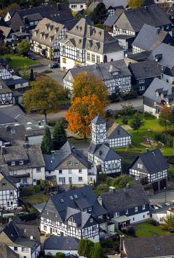 IBLBLO04250235 Timbered houses, timbered village, Eversberg, Meschede, Sauerland, North Rhine-Westphalia, Germany, Europe